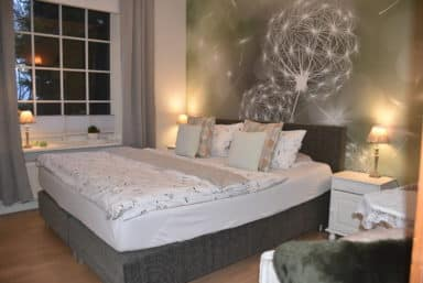 Aventurin Zimmer Bett